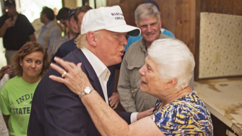Trump helps victims of Louisiana floods