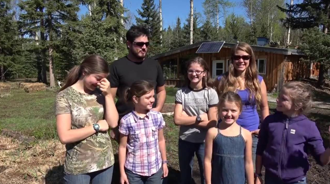 Family-of-7-Living-Completely-Off-Grid-in-Northern-Canada